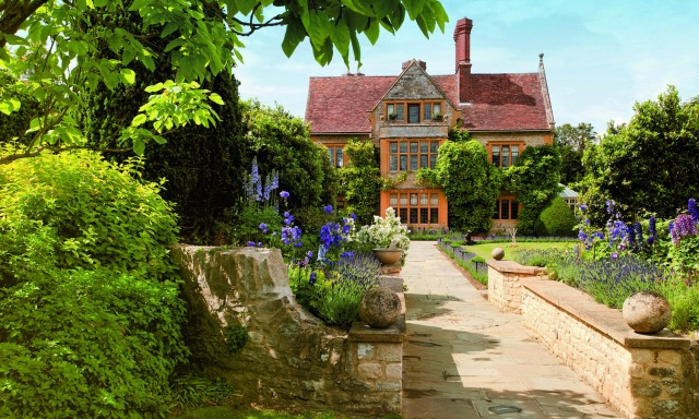 Some British inspiration: The grounds of Le Manoir aux Quat'Saisons, an English Country hotel and restaurant in Oxford, England. Photo courtesy of Paul Wilkinson.