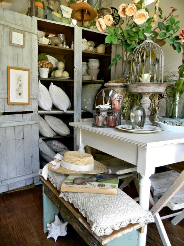 Melinda's garden room in her Sanibel Island, Fla., home. Photo courtesy of Melinda Graham.