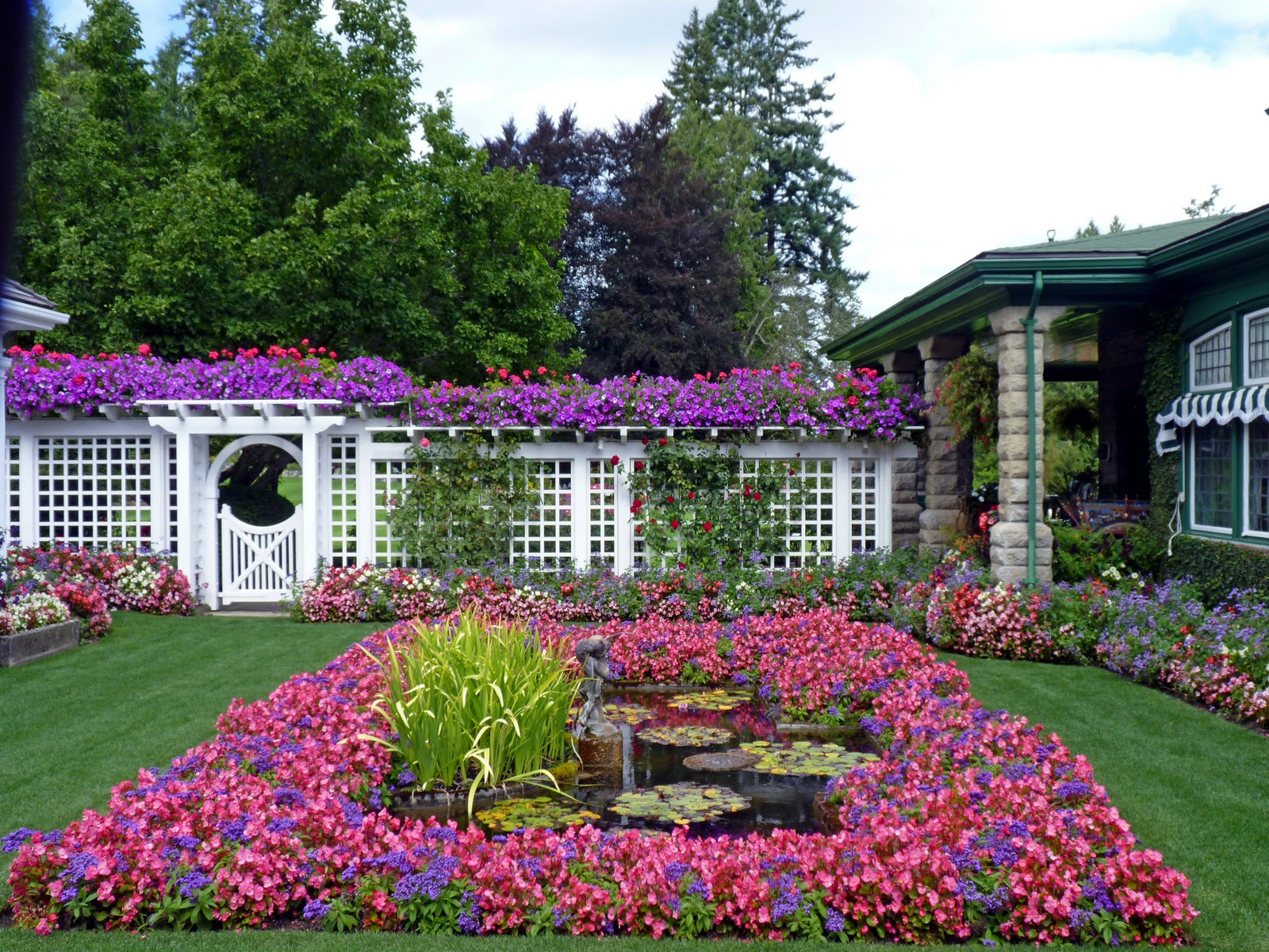 The butchart gardens vancouver island british columbia for Beautiful garden pictures of the world