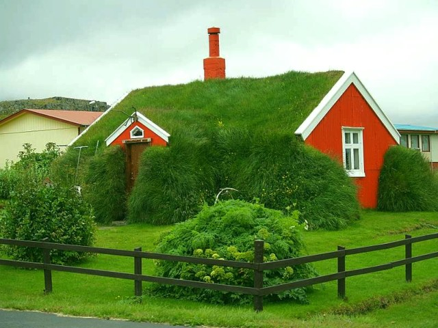 The Grass is Greener: A home with the sod-covered roof in Iceland. Photo courtesy of All-HD-Wallpapers.