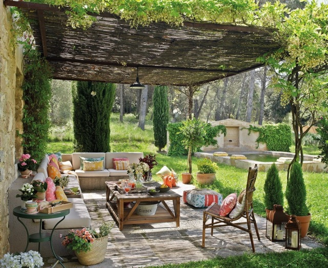 An outdoor room decorated with elegant interior style. Photo courtesy of Vampire Decor.