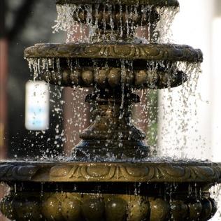 fountain-164049_960_720